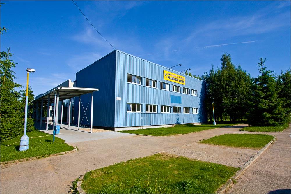 20100606-175900_Benesov