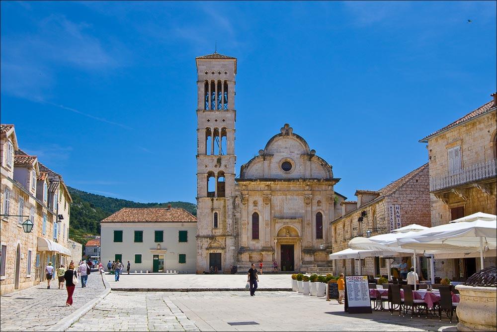 Хорватия, остров Хвар, собор Святого Стефана (Katedrala Svetog Stjepana) в стиле далматинского Ренессанса