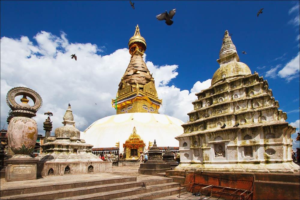 Непал, cтупа Сваямбунатх в Катманду