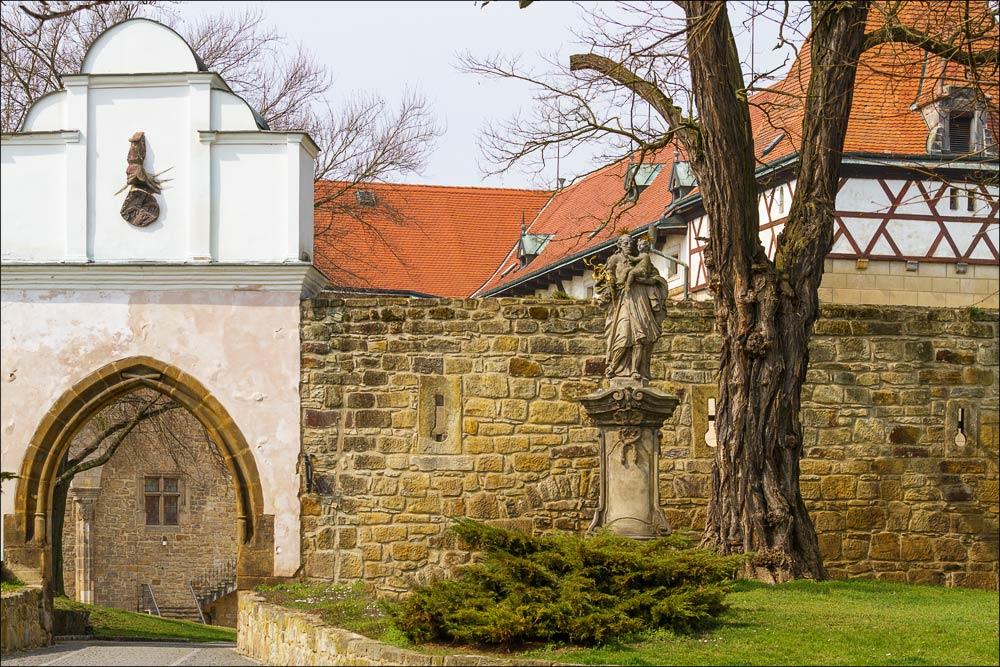 """Чехия, замок """"водни град"""" в Будыне над Огржи (Budyně nad Ohří)"""