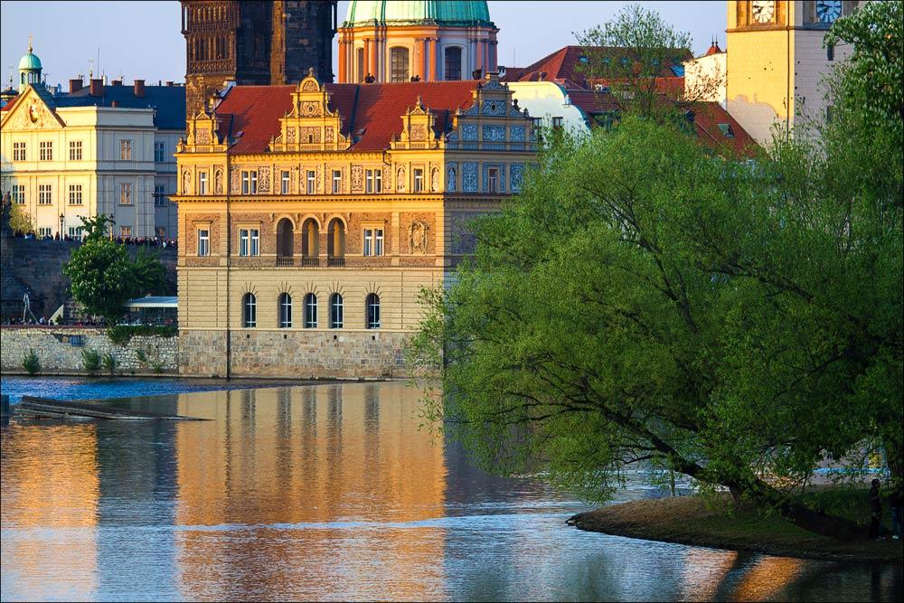 Чехия, Прага, вид на Стрелецкий остров, Сметанову набережную Влтавы