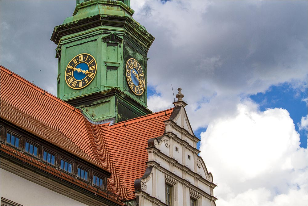 http://countryczech.com/wp-content/uploads/2015/06/03/20150507-144951_Germany_Pirna.jpg
