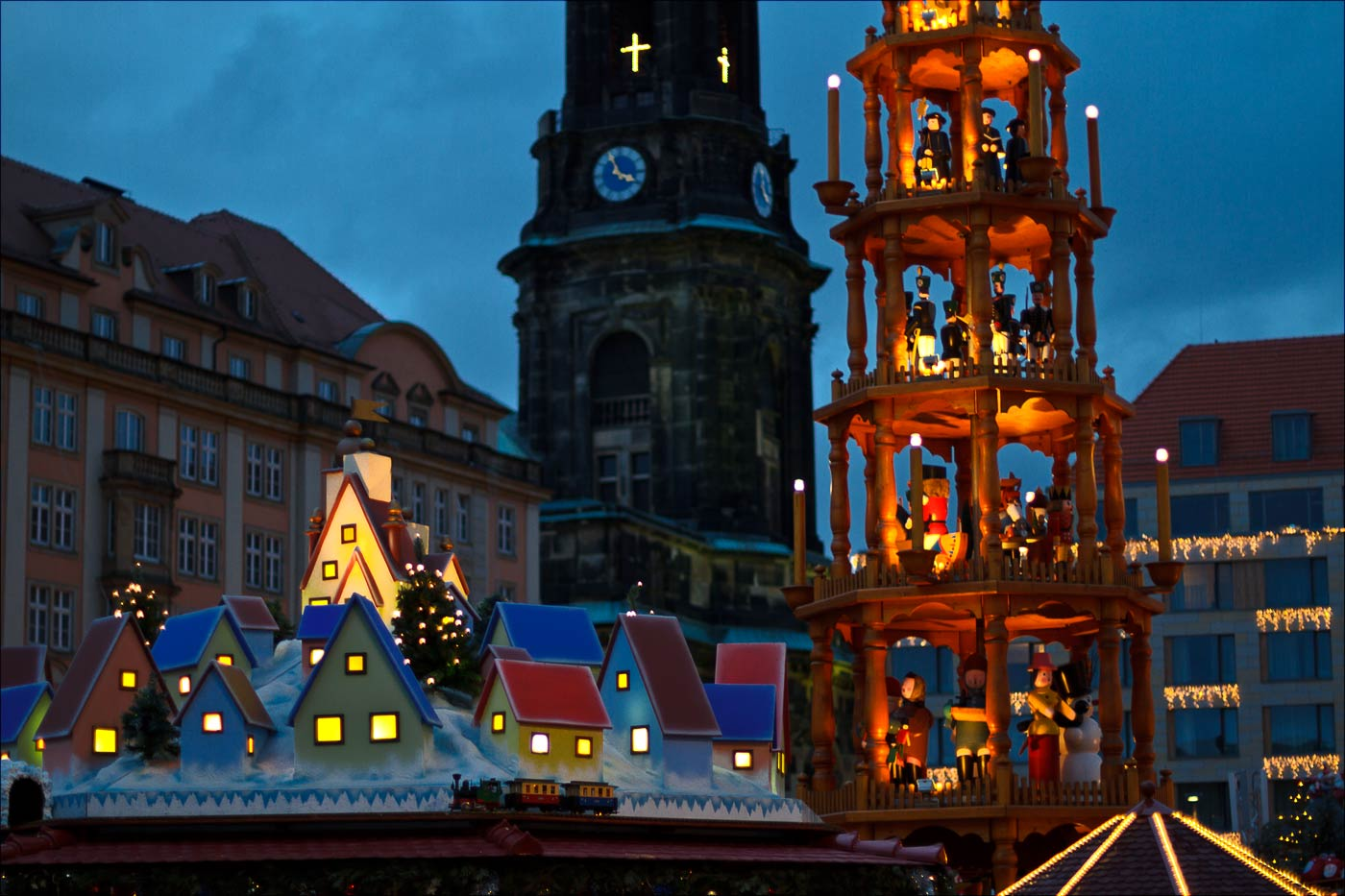 http://countryczech.com/wp-content/uploads/2015/12/photos/20111217-170055_Dresden.jpg