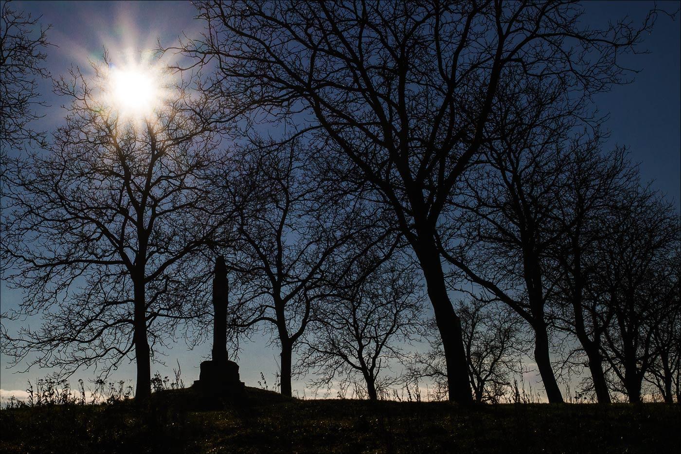 Каменный столб на месте кельтского городища на Холме Хвойен у Конопиште