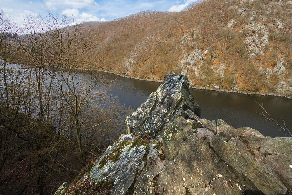 http://countryczech.com/wp-content/uploads/2016/04/16/20160328-135356_Vltava_Svatojanske_proudy.jpg
