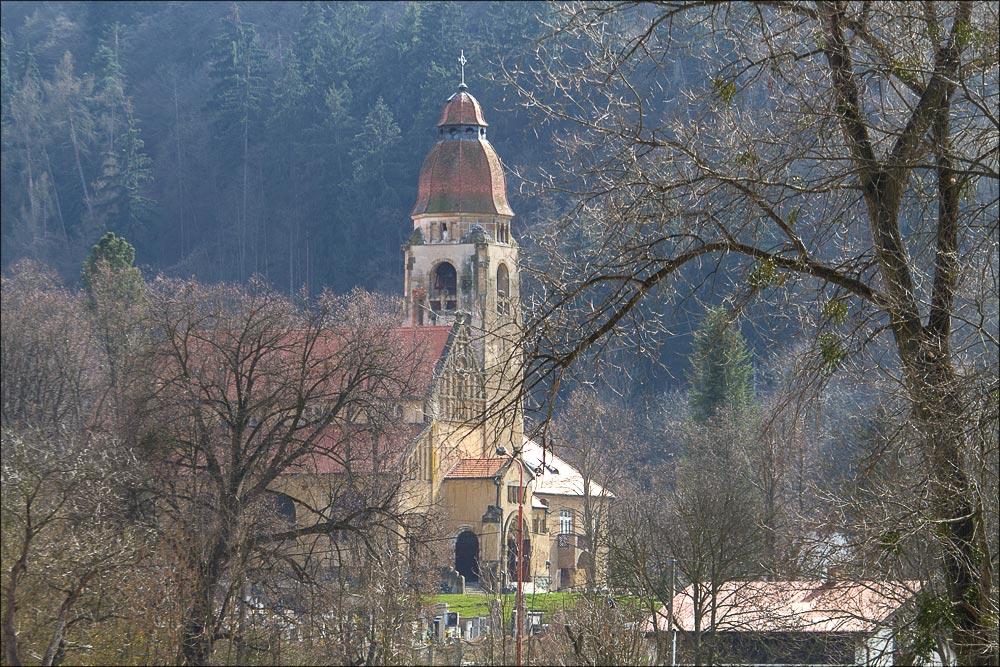 http://countryczech.com/wp-content/uploads/2016/04/16/20160403-150433_Vltava_Kobyli_draha.jpg