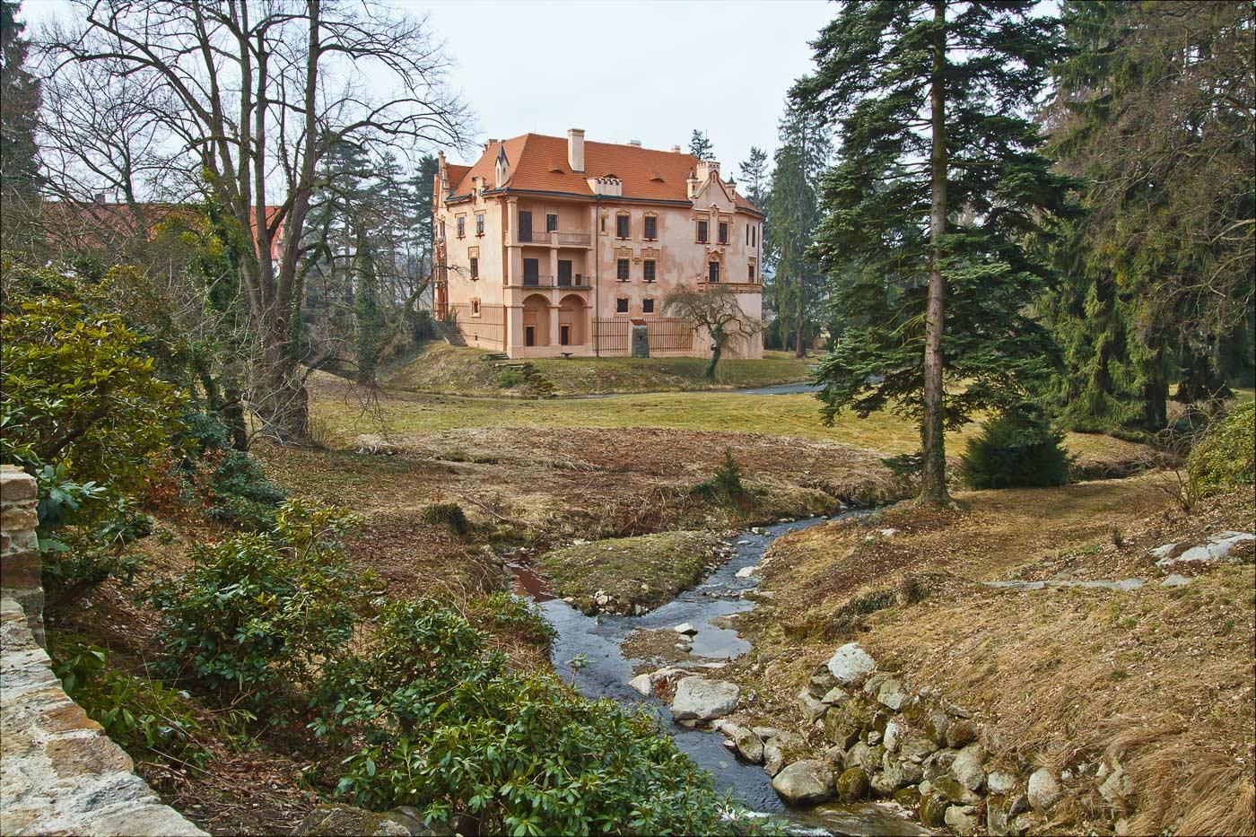 Дворец Врхотове Яновице