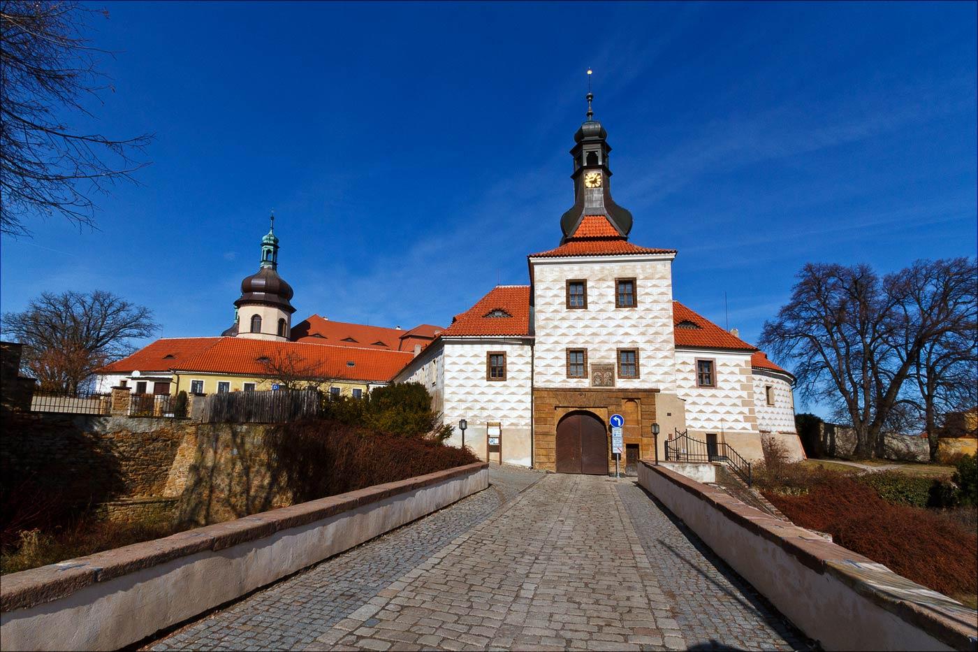 Замок в Костельце над Черными лесами