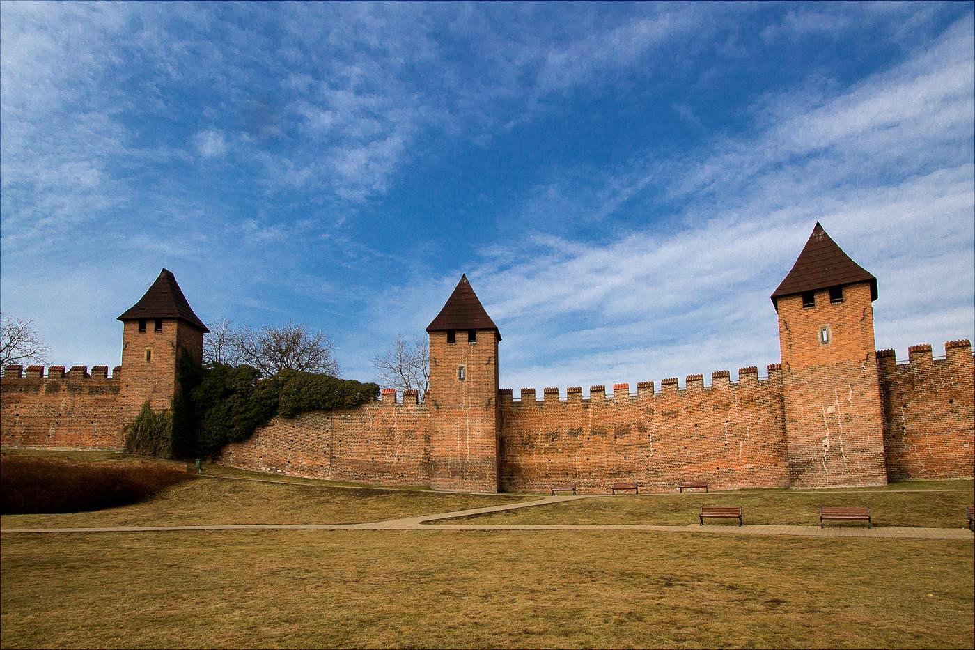 Стена старого города в Нимбурке