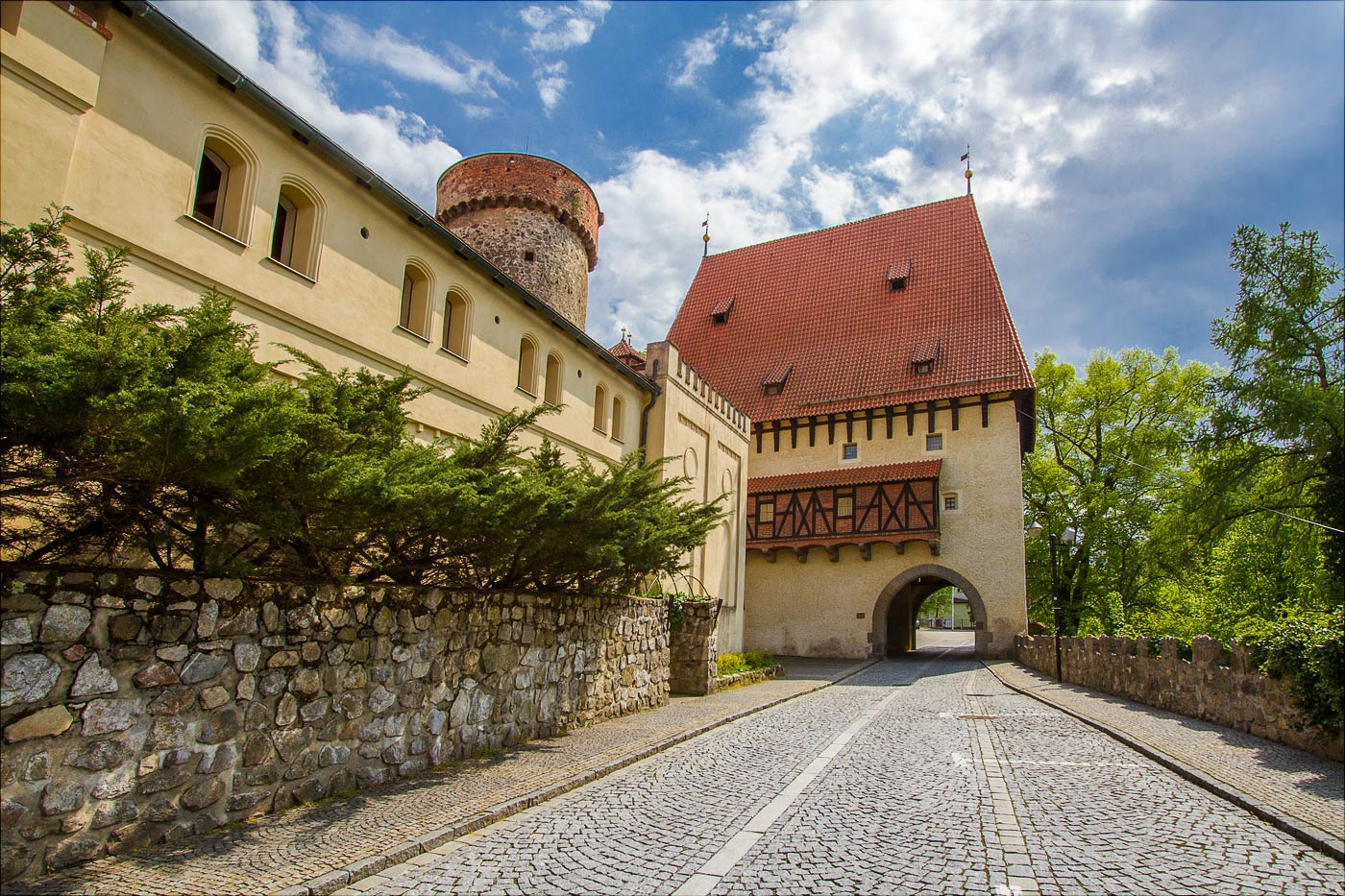 http://countryczech.com/wp-content/uploads/2016/06/photos/20160514-150322_Tabor-HDR.jpg