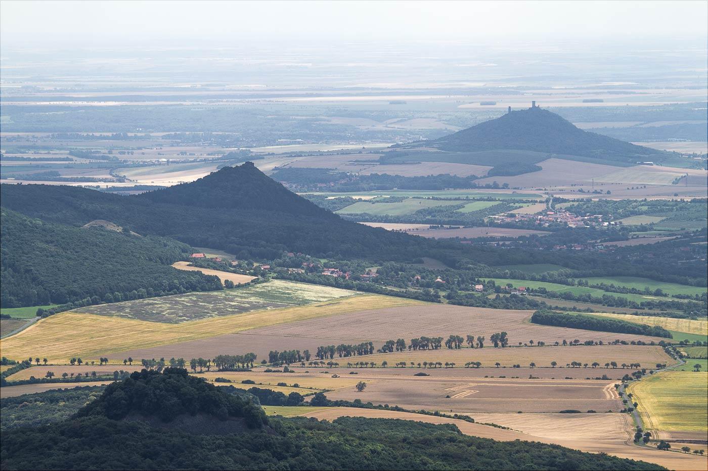 Вид на окрестности с горы Милешовка