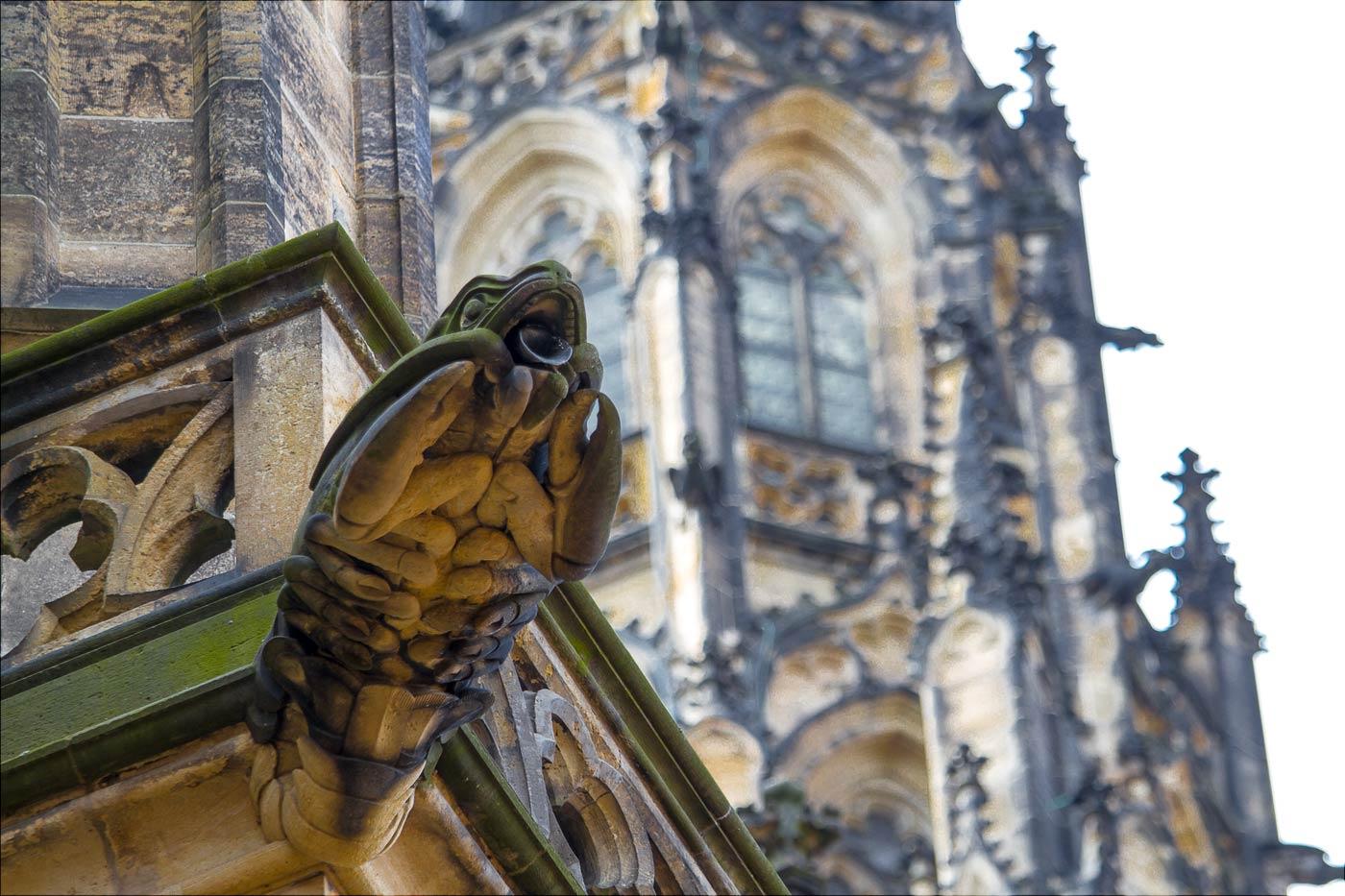 Прага, химеры на соборе Святого Вита