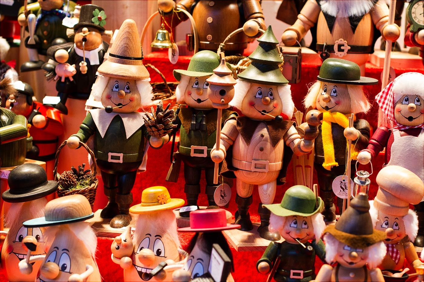 Деревянные фигурки с рождественской ярмарки в Дрездене