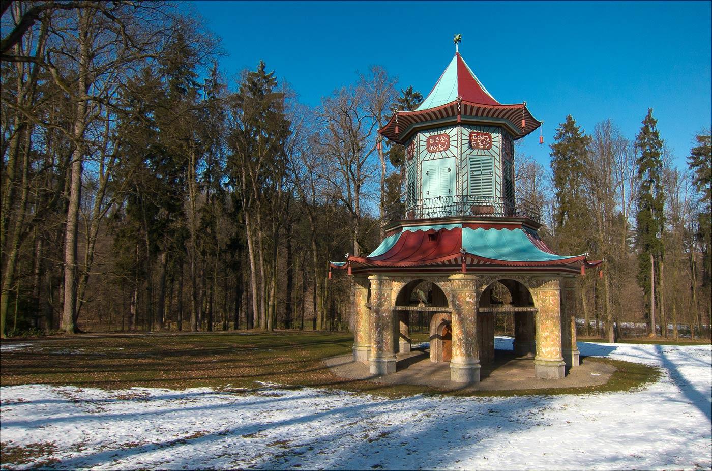 Китайская пагода во Влашимском парке