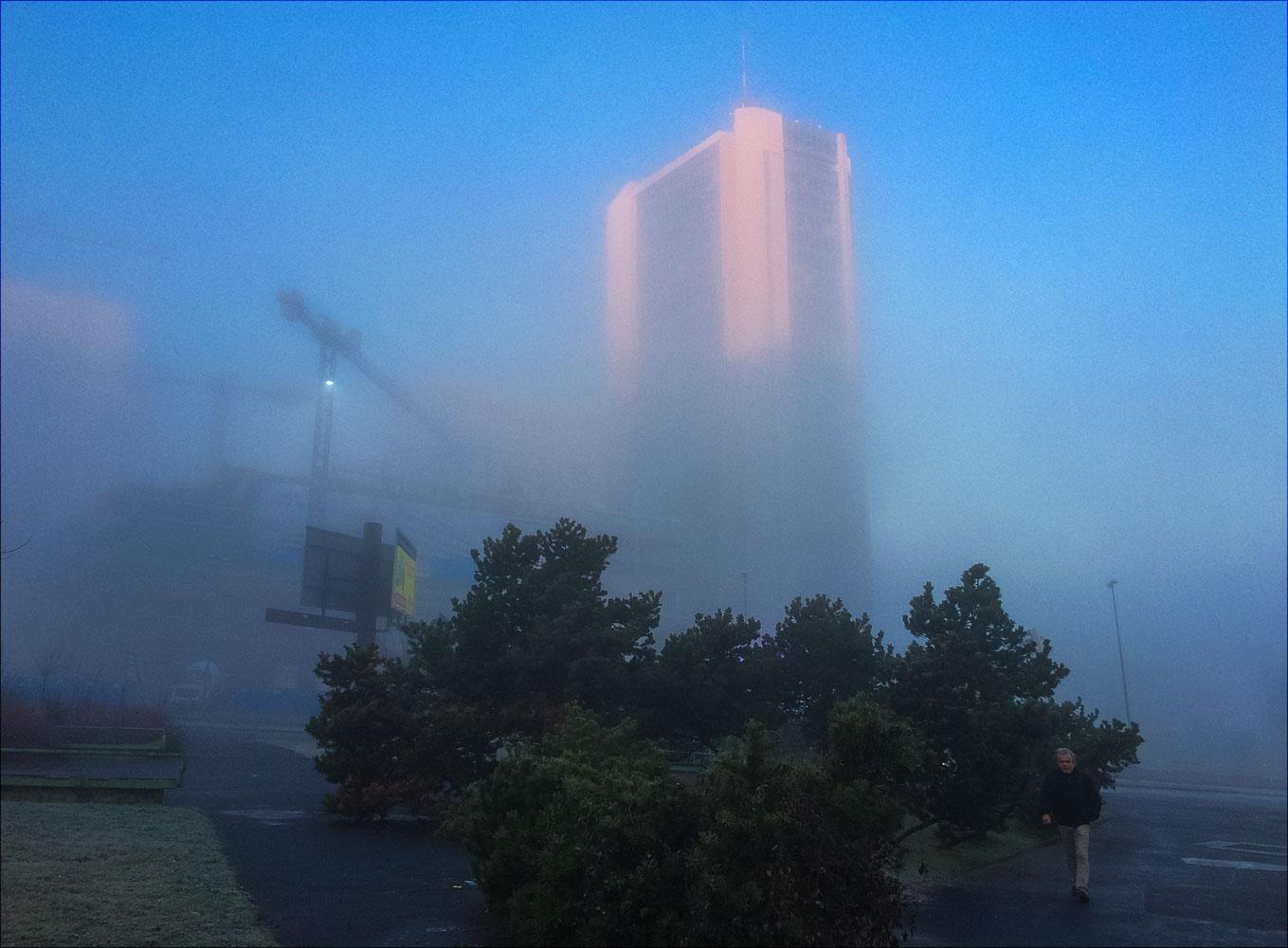 Прогулка по пражскому району Панкрац, утренний туман