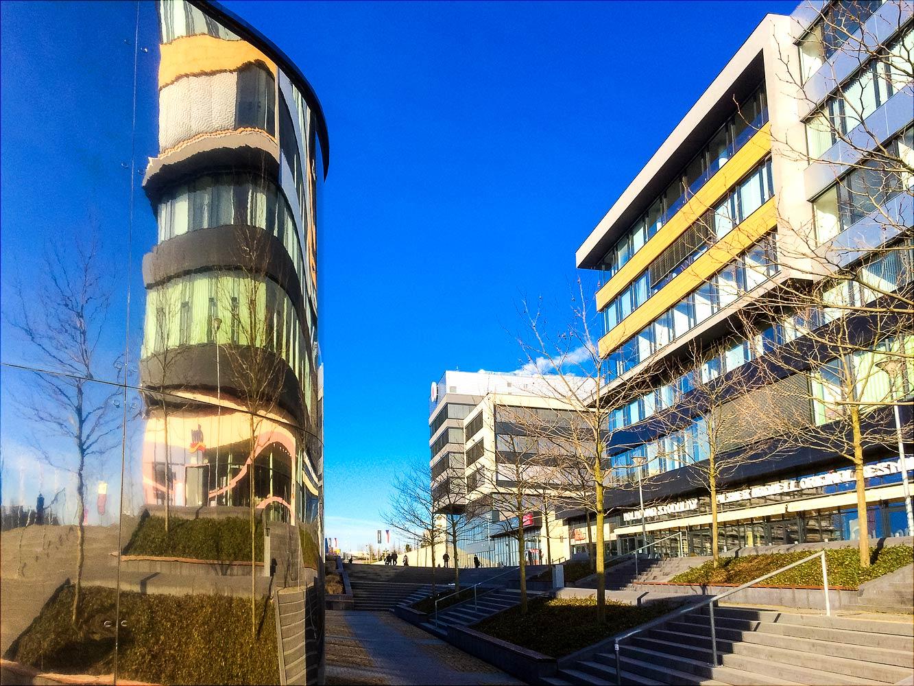Новый офисный центр в пражском микрорайоне Стодулки