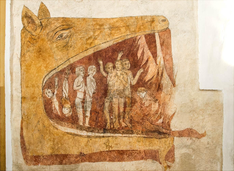 Ветхозаветный змей Левиафан, пожирающий грешников, фреска XIV века в костел Св. Иакова и Филиппа на холме Хвойен