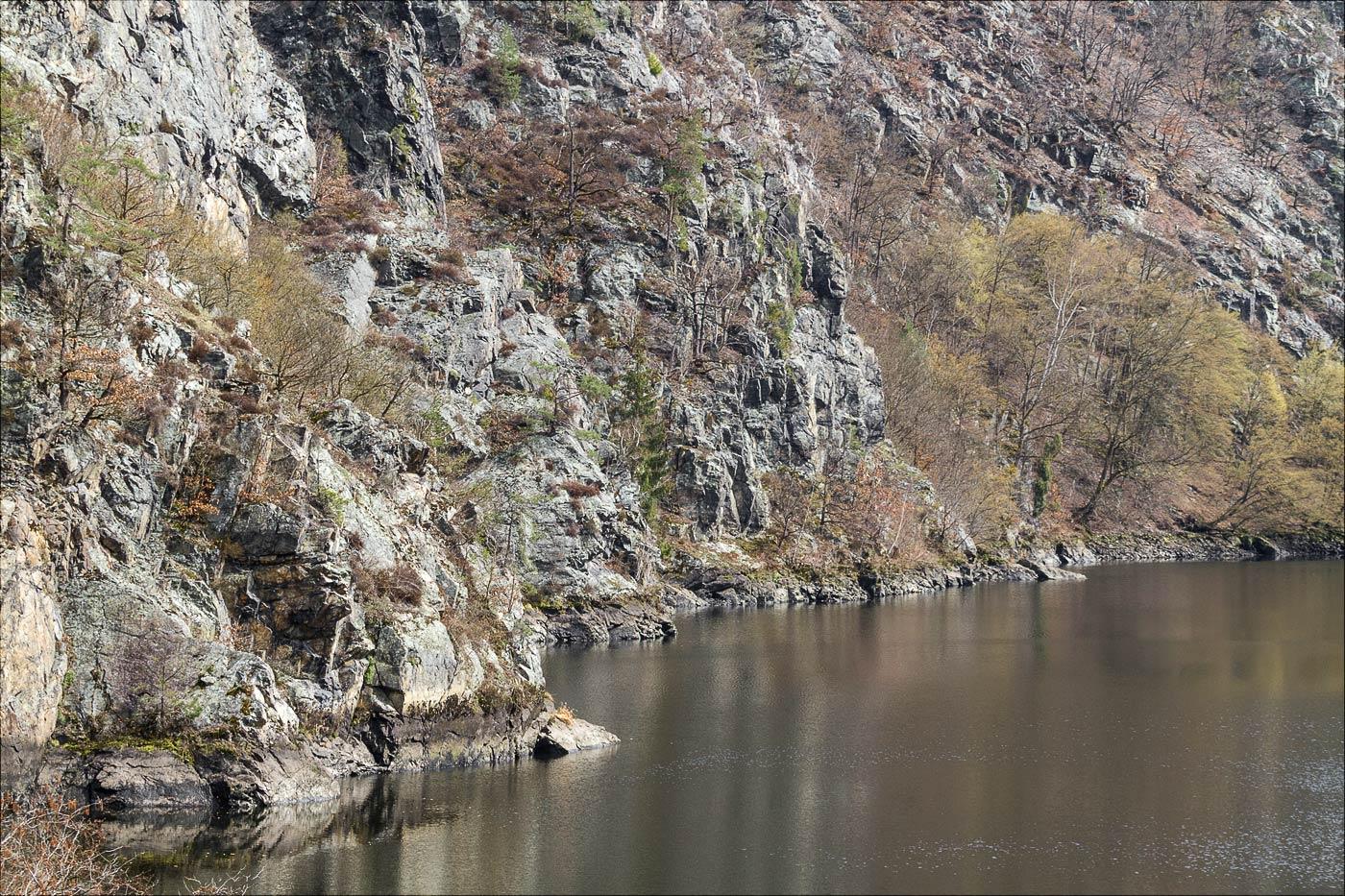 Склоны правого берега Влтавы, природная резервация Кобыли драга