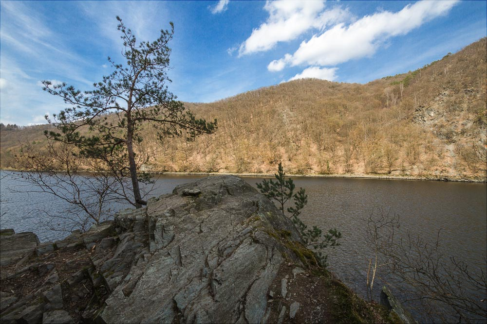 http://countryczech.com/wp-content/uploads/2017/05/09/20160328-134428_Vltava_Svatojanske_proudy.jpg