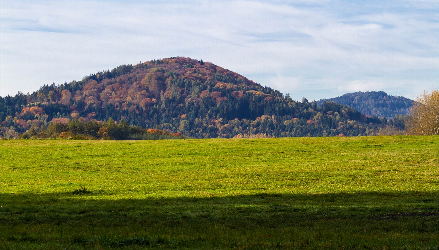 Вид на холмы в окрестностях Конопиште
