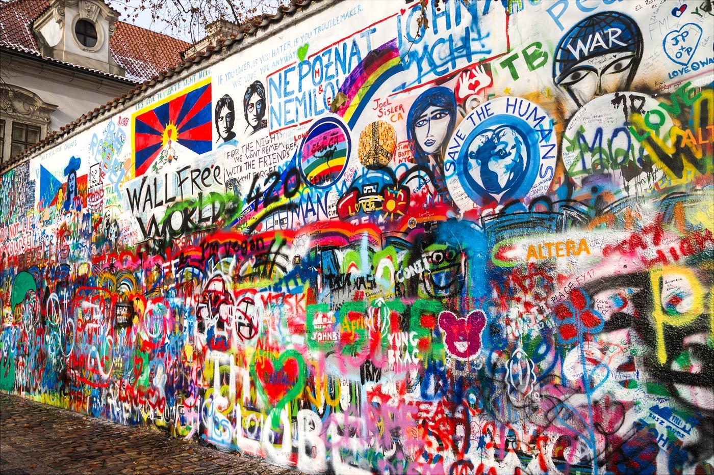 Прага, стена Леннона