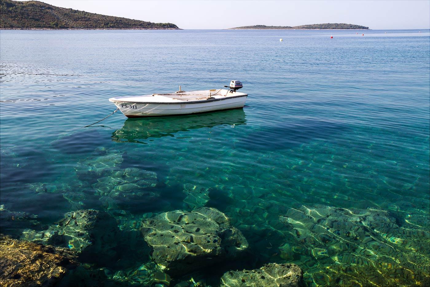 Прозрачная вода, Примоштен, Хорватия