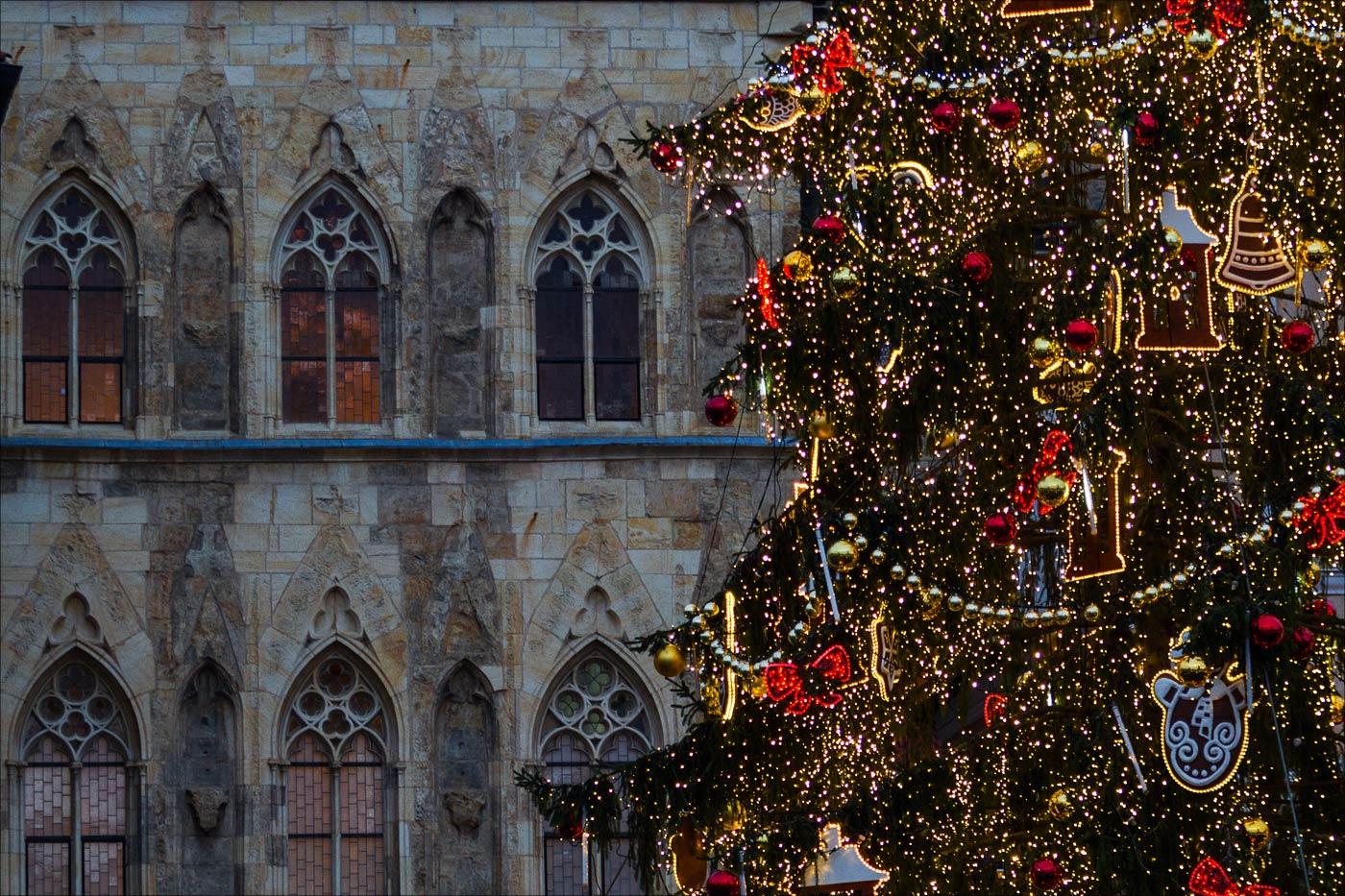 Главная пражская елка на Староместской площади