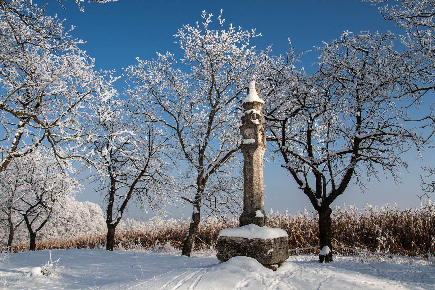 Кельтский столб на холме Хвойен