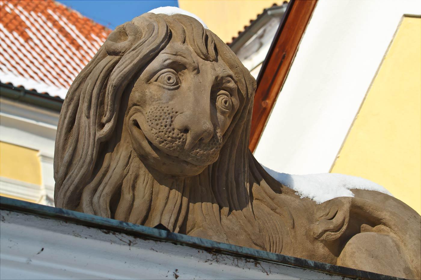 Лев на воротах замка Влашим