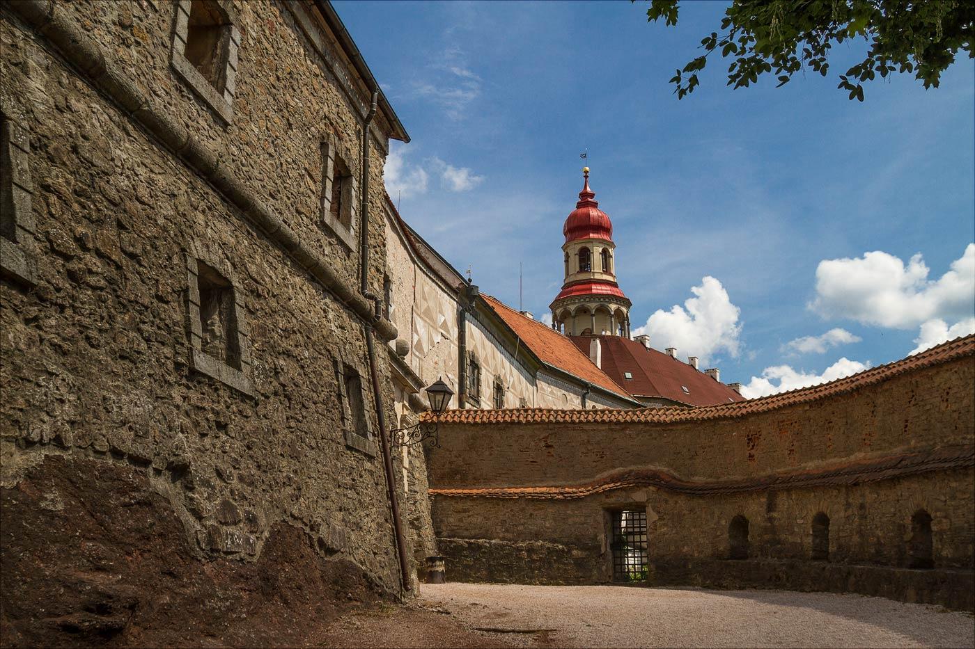 Замок Наход