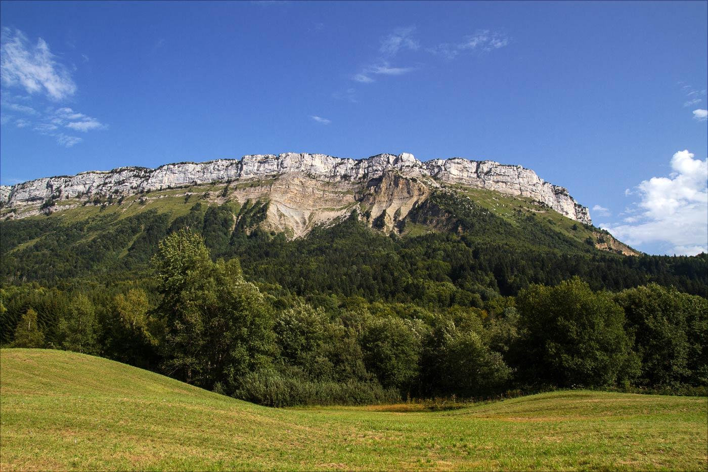 Франция, горы возле Анси, вид с окна отеля