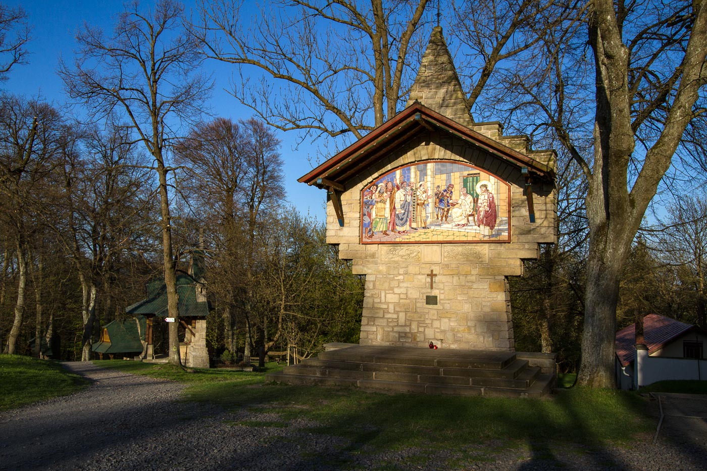 Новый крестный путь архитектора Душана Юрковича на горе Святой Гостин