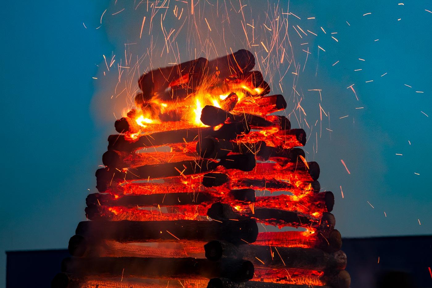 Сжигание чародейниц в последнюю апрельскую ночь