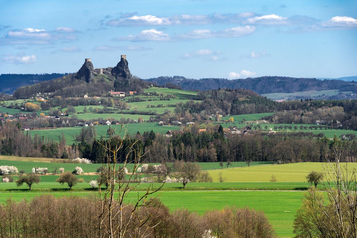 Руины средневековой крепости Троски, Чешский Рай