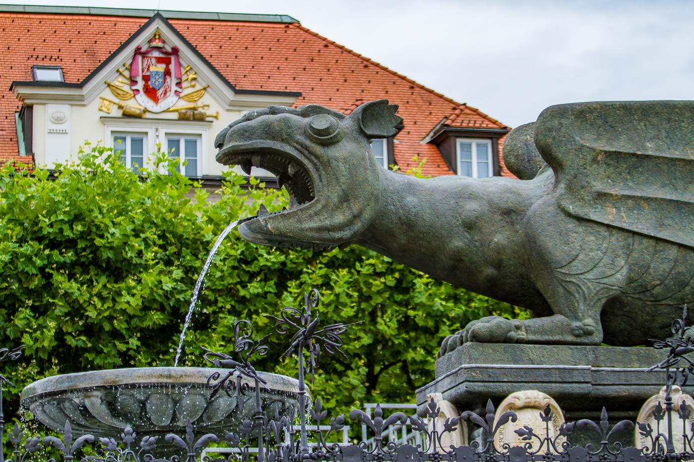 Фонтан дракона в Клагенфурте, Каринтия, Австрия