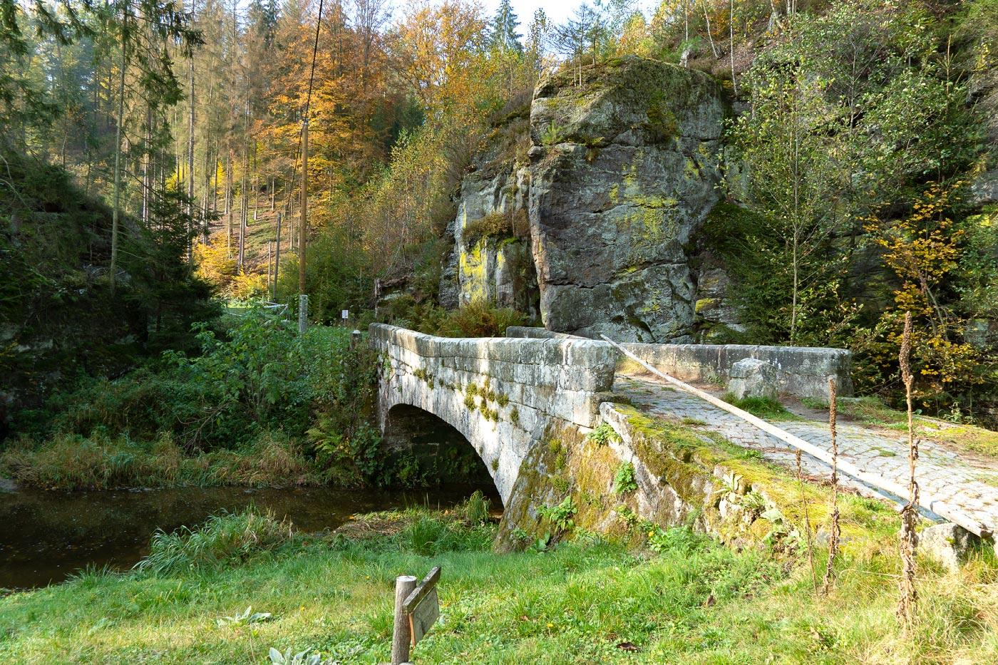 Старый мост, природный заповедник Подтросецка удоли