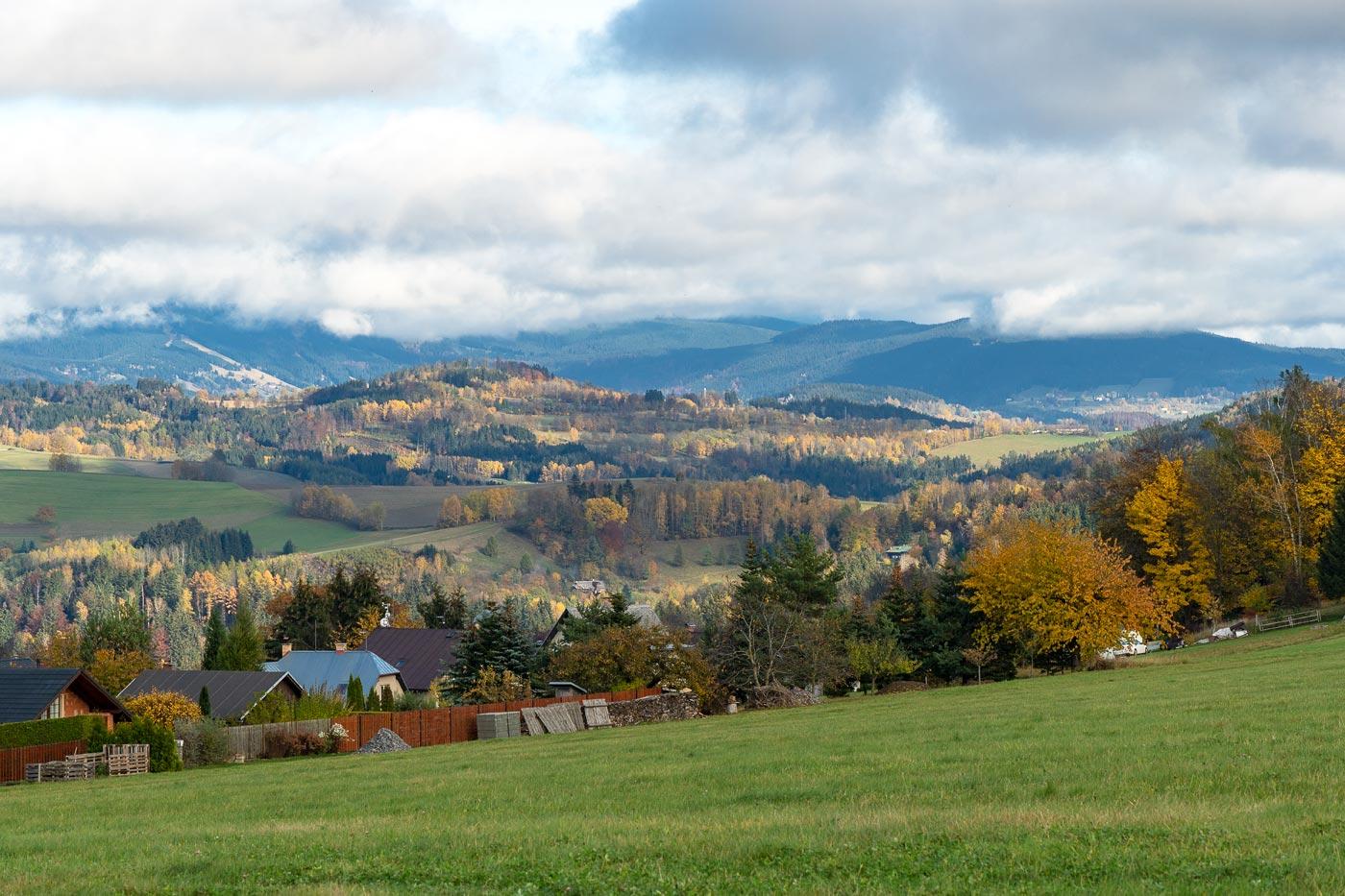 Осенняя панорама гор у Држкова, Северная Чехия