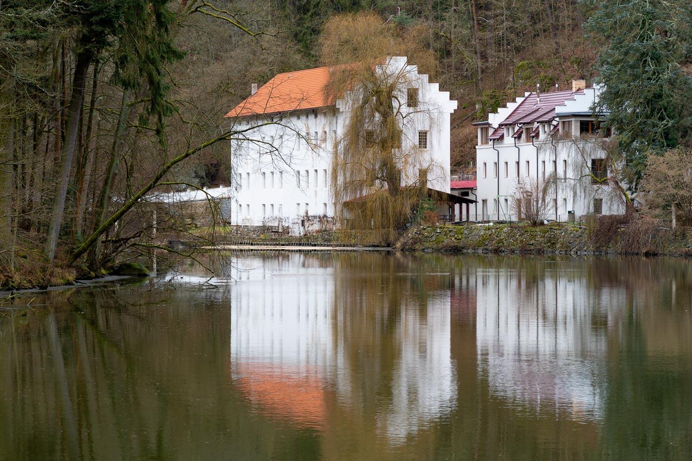 Старая мельница на реке Лужнице у Табора