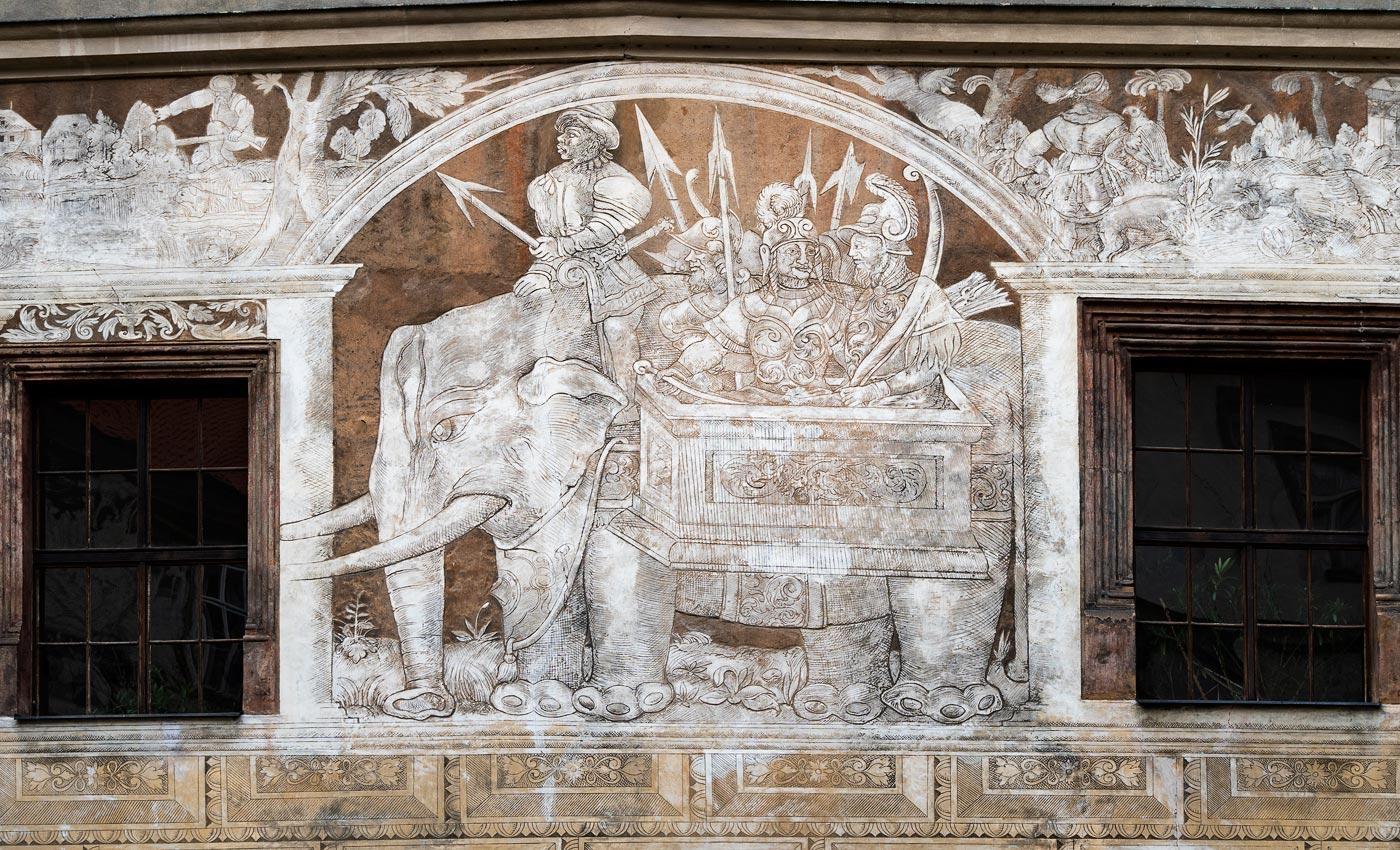 Графитти на внутреннем фасаде замка Брандис над Лабем