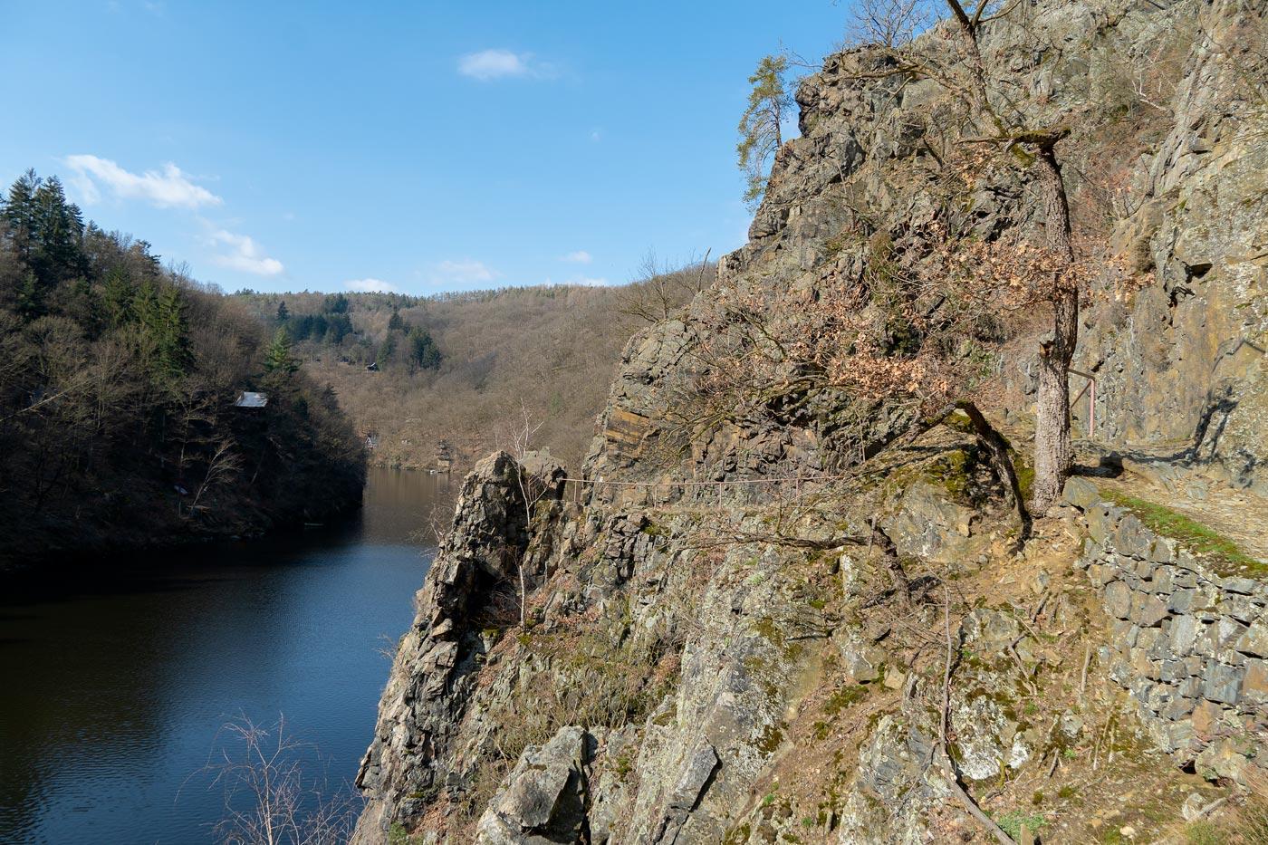 Туристская тропа к Святоянским стремнинам на Влтаве