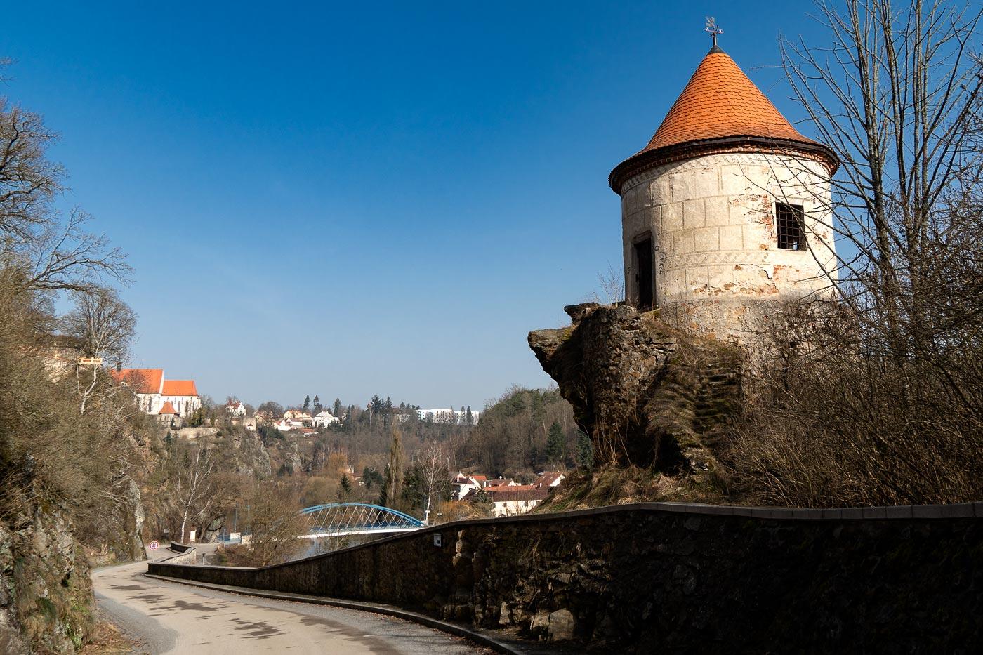 Смотровая башня под замком Бехине