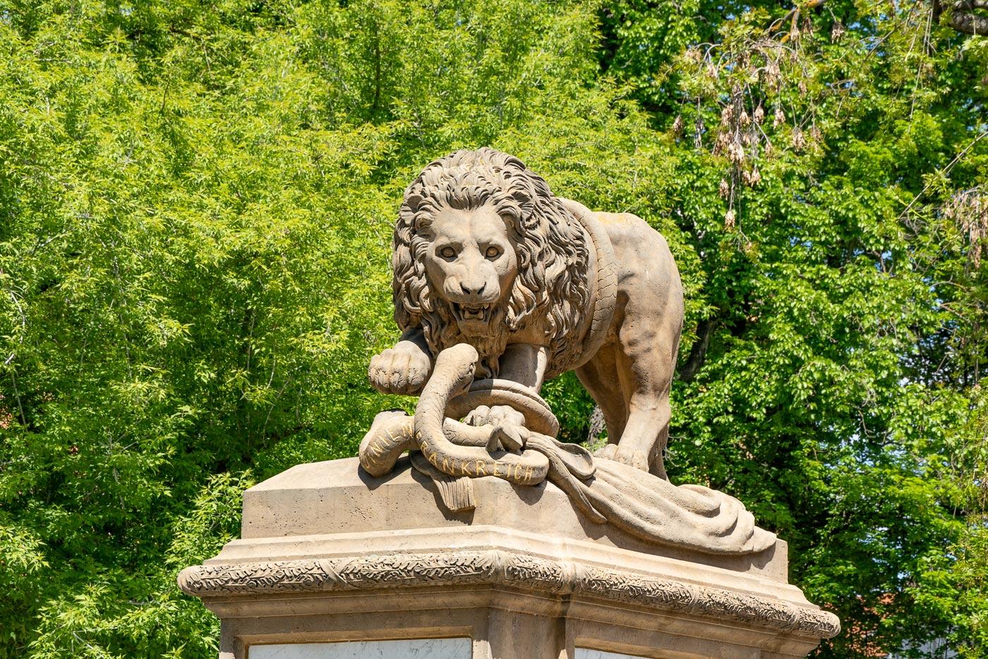 Писек, Памятник погибшим в битвах в северной Италии