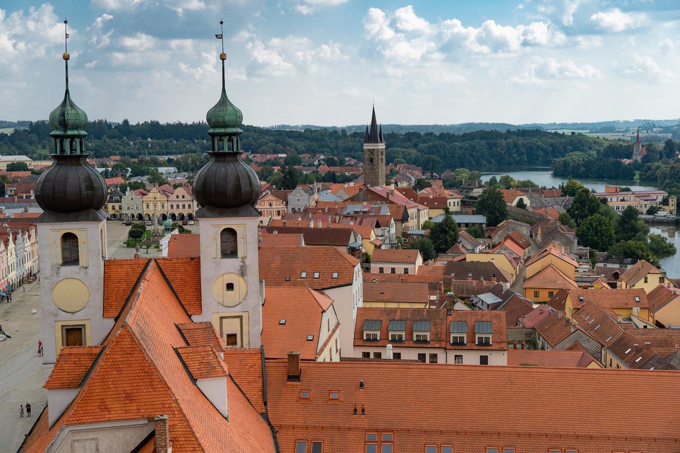 Вид на Телч с колокольни костела Св.Якуба