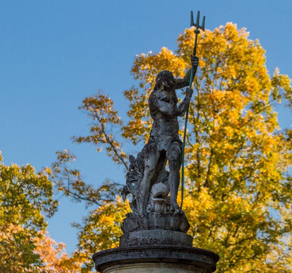 Скульптура Нептуна в парке Конопиште